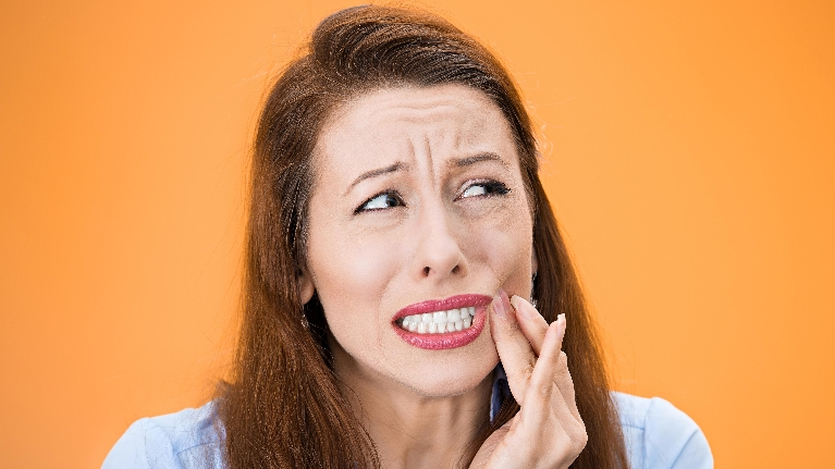 Does That Tooth Need to Go? Five Signs You Need a Tooth Pulled